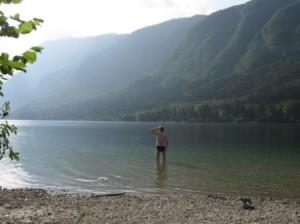 Walter in het meer van Bohinj